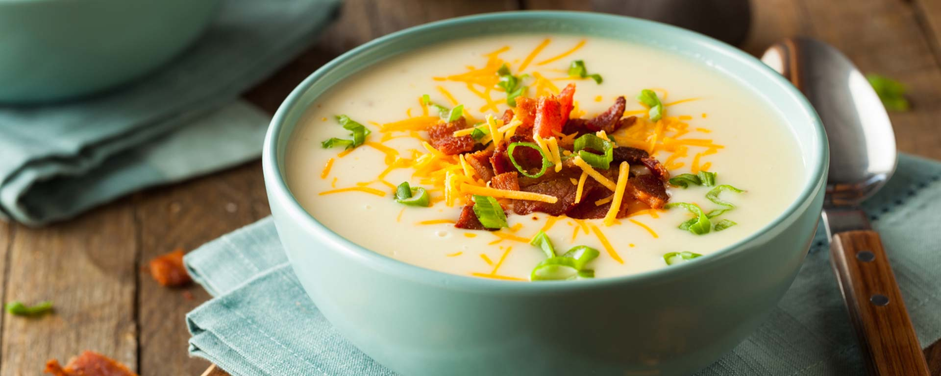 Photo for - Soupe aux pommes de terre, aux choux-fleurs et au fromage cheddar