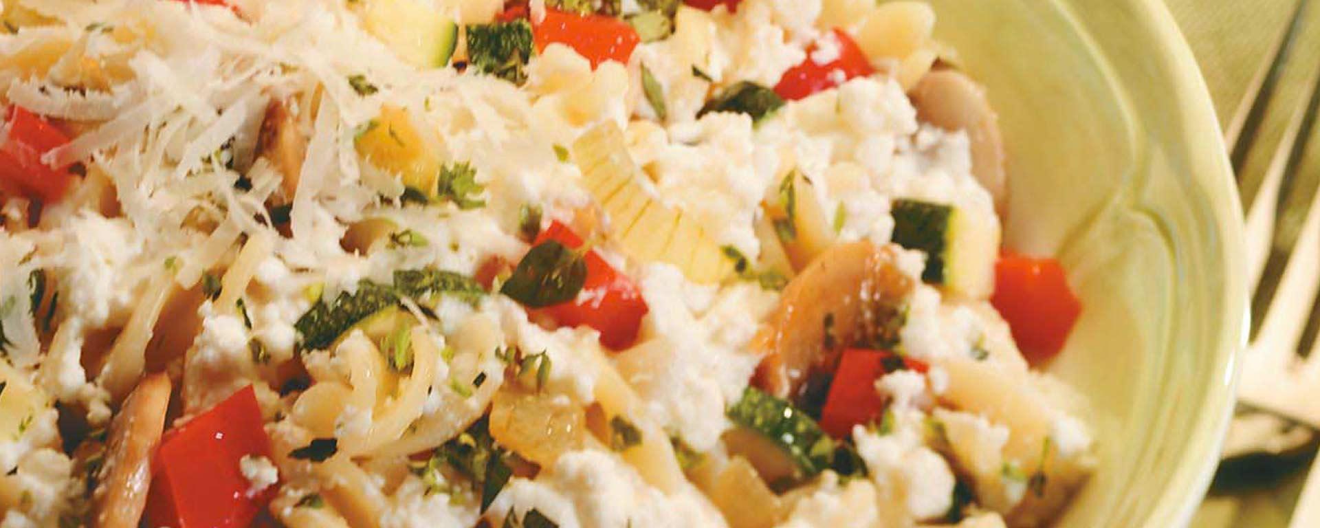 Photo for - Pâtes primavera avec fromage cottage aux herbes