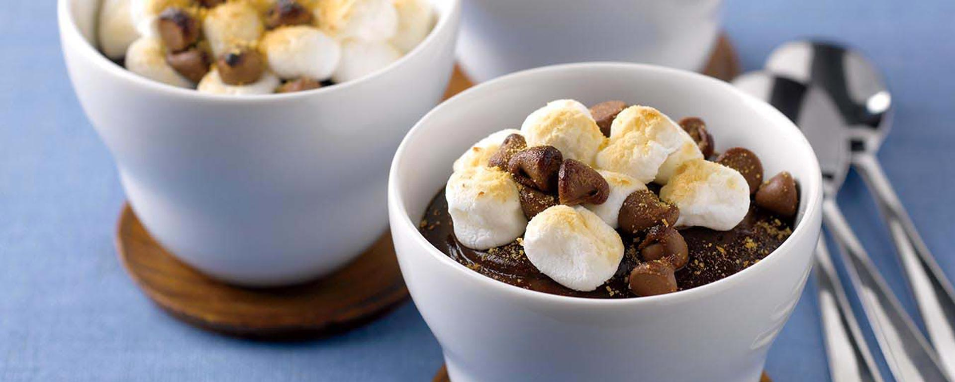 Photo for - Gobelets de pouding s'mores au chocolat